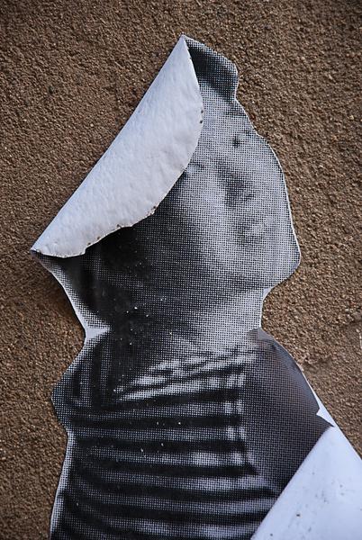 Mujer de papel