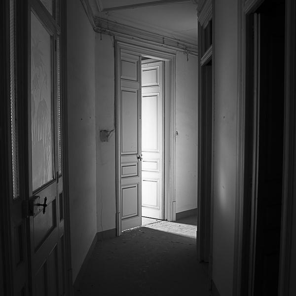 Yök Doors IV