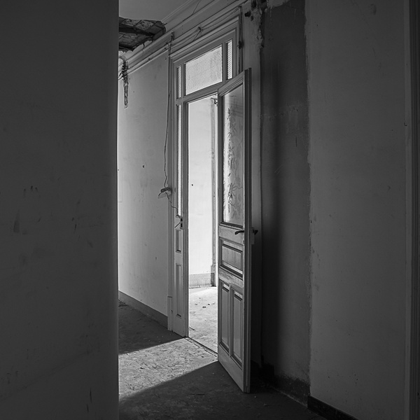 Yök Doors XIII
