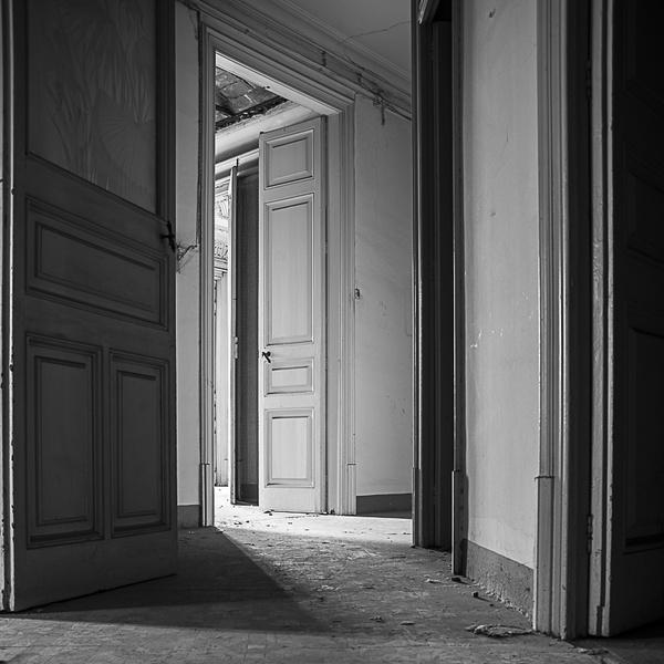 Yök Doors XV